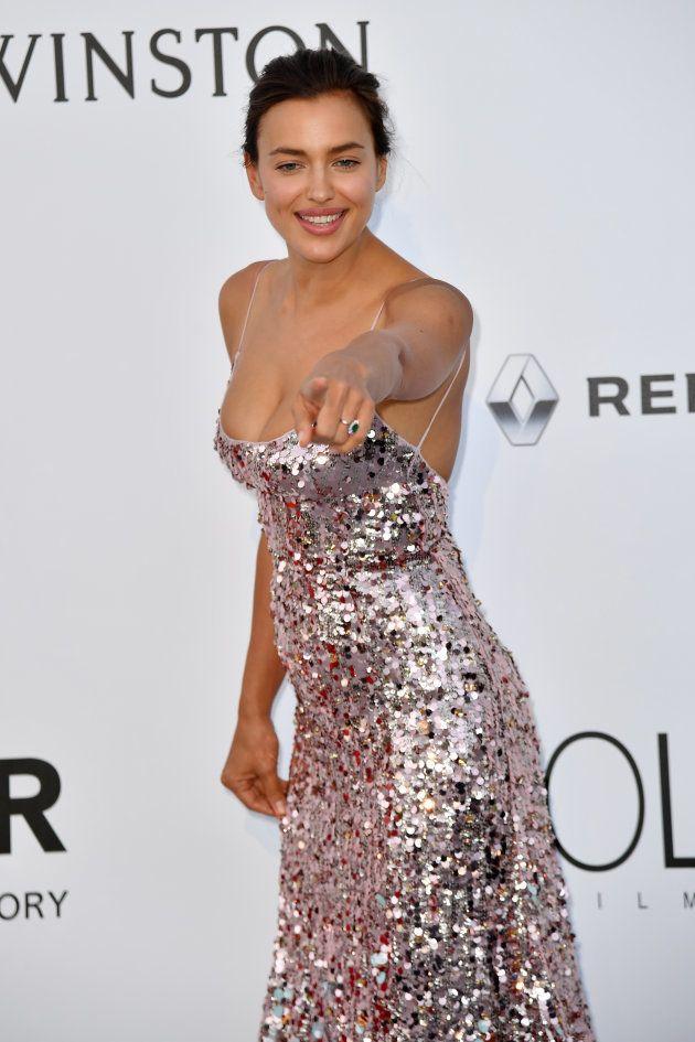 Pour le gala amfAR, Irina Shayk a sorti les paillettes et une robe très