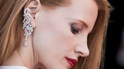 Jessica Chastain sensuelle en blanc et