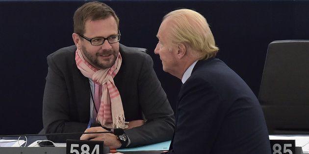 Jérôme Lavrilleux et Brice Hortefeux au Parlement