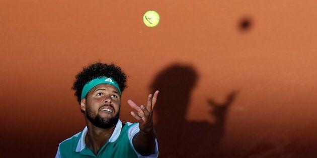 Jo-Wilfried Tsonga éliminé à Rolland-Garros dès le premier tour par Renzo Olivo, 91e joueur