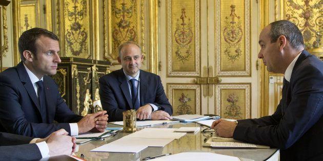 Emmanuel Macron face au secrétaire général de la CFDT Laurent Berger, le 23 mai à
