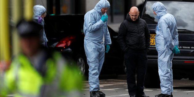 Les enquêteurs criminels sur les lieux de l'attaque du Borough Market le 5