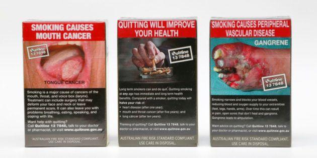 Paquets de cigarettes neutres: la bataille judiciaire à laquelle la France devrait se