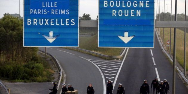 Crise des migrants à Calais: les menaces de Xavier Bertrand rejetées par la gauche (et le