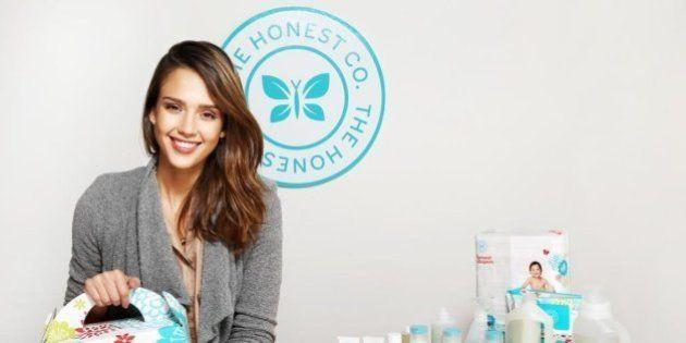 PHOTOS. Jessica Alba: les crèmes solaires de sa compagnie de cosmétique Honest seraient