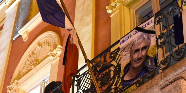 Hervé Gourdel: les drapeaux en berne partout en France vendredi, samedi et
