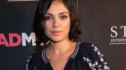 Mila Kunis enceinte et sublime pour la première de son
