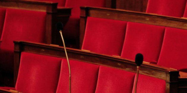 Élections européennes: Marine Le Pen évoque (encore) la dissolution de l'Assemblée en cas de victoire...