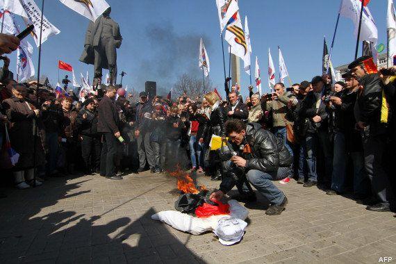 PHOTOS. Ukraine : des manifestants pro-russes investissent les bureaux de l'administration à