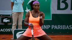 Serena Williams, grippée, se hisse en