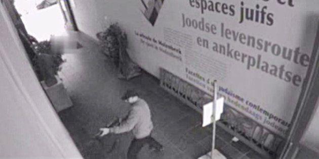 La garde à vue de Mehdi Nemmouche pourrait être prolongée, en attendant son extradition vers la