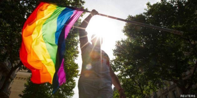 Comment les jeunes perçoivent-ils l'homosexualité, la bisexualité et la transidentité