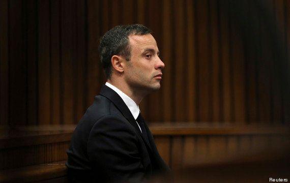 Procès Pistorius: l'ancien champion s'excuse pour le meurtre de sa petite amie Reeva