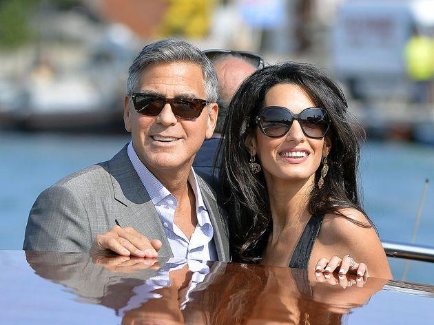 Amal Alamuddin et George Clooney s'offre une virée en bateau après leur mariage à Venise et affolent...