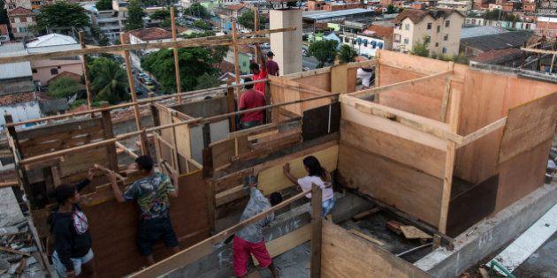 Coupe du Monde 2014: naissance d'une nouvelle favela à Rio de Janeiro, à deux mois du