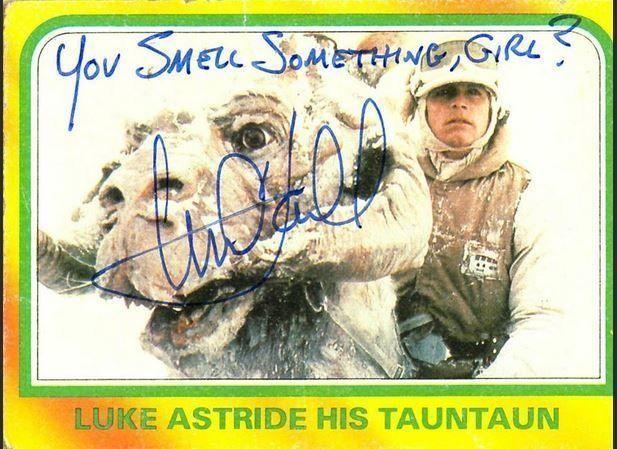 Star Wars 7: Mark Hamill signe des autographes