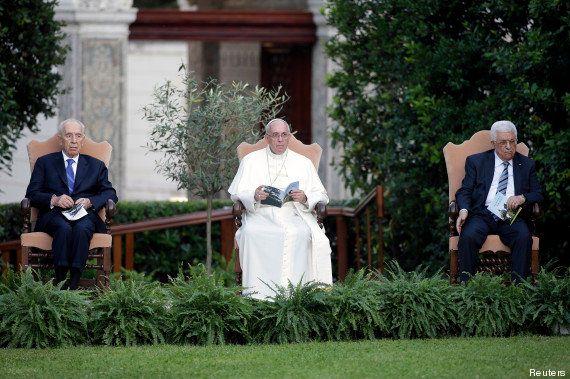 Rencontre historique entre le pape François, Mahmoud Abbas et Shimon Peres pour un moment de