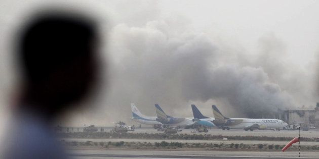 Pakistan: l'attaque des talibans sur l'aéroport de Karachi fait au moins 24
