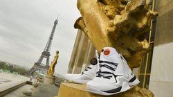 Des statues en baskets: de la publicité sauvage pour l'anniversaire de la Pump