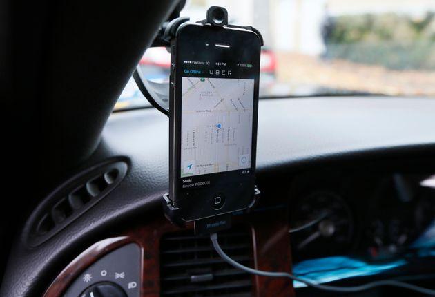 Uber contre les taxis et les municipalités du monde