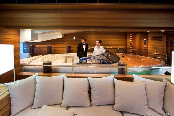 PHOTOS. Un yacht avec...