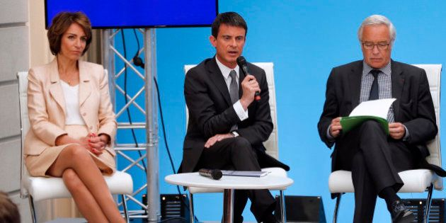 PME: Valls annonce un plafonnement des indemnités prud'homales et une prime à