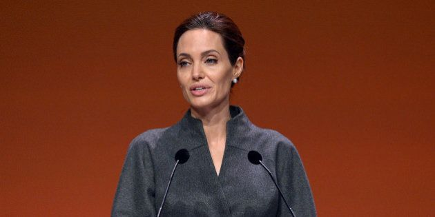 Angelina Jolie distinguée par la reine