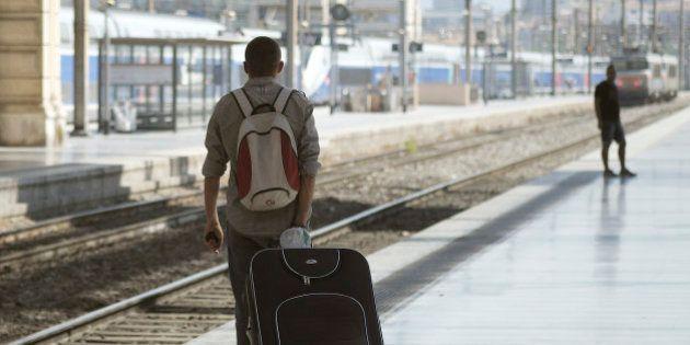 La grève SNCF reconduite lundi, premier jour du