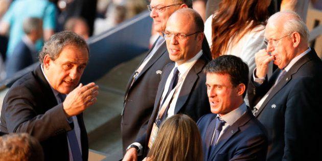 Manuel Valls à Berlin: l'UEFA confirme une discussion avec Michel Platini sur l'Euro