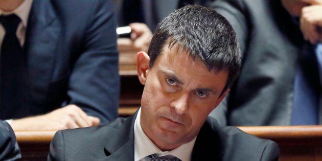Grève à la SNCF: Valls exclut tout report de l'examen de la réforme