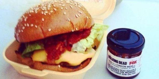 The Walking Dead saison 5: le hamburger goût chair humaine servi à Londres ravit les