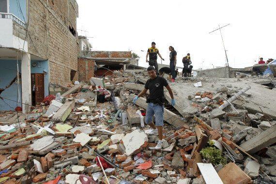 PHOTOS. Un violent séisme de magnitude 7,8 en Équateur fait au moins 235