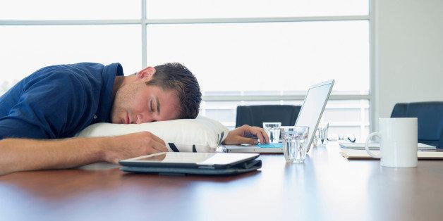 Somnolence au travail cinq astuces pour être en forme après