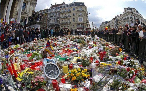 PHOTOS. Attentats : des milliers de Bruxellois dans la rue en hommage aux victimes et