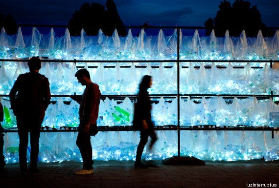 PHOTOS. Un labyrinthe fait de plastique nous ouvre les yeux sur notre