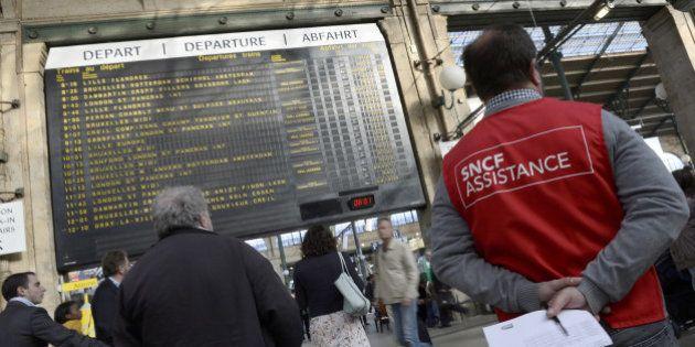SNCF: après huit jours de grève, la réforme du rail aux mains des