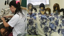 Au Brésil, des détenues fabriquent des perruques pour les malades du
