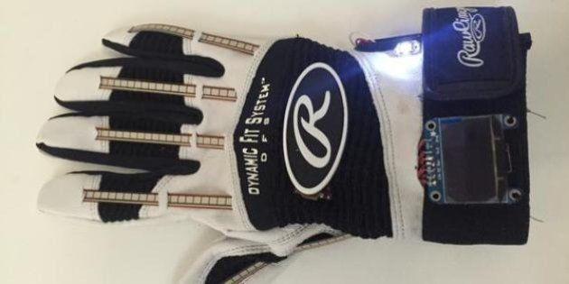 Un gant connecté pour traduire la langue des