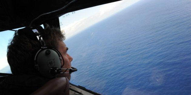MH370: une nappe de carburant trouvée dans la zone de recherches, un robot sous-marin va être