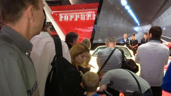 Spécial Mondial: stands VIP et leviers de vitesse