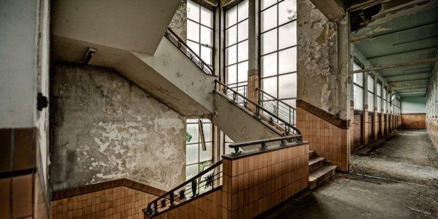 PHOTOS. Les asiles psychiatriques abandonnés photographiés par Dan Marbaix, de parfaits décors de films