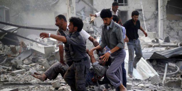 Syrie: 96 morts, surtout des civils, dans des frappes du régime près de Damas, l'opposition dénonce un