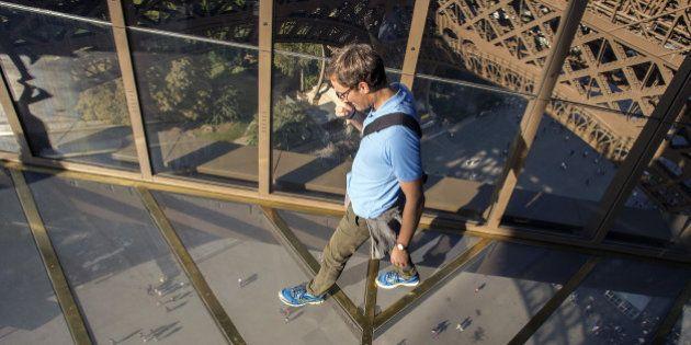 PHOTOS. Tour Eiffel: le 1er étage rénové et son plancher de verre inauguré par Anne