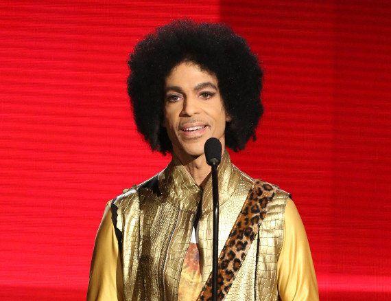 PHOTO. Pour faire revivre Prince, il suffit de mettre une moustache à
