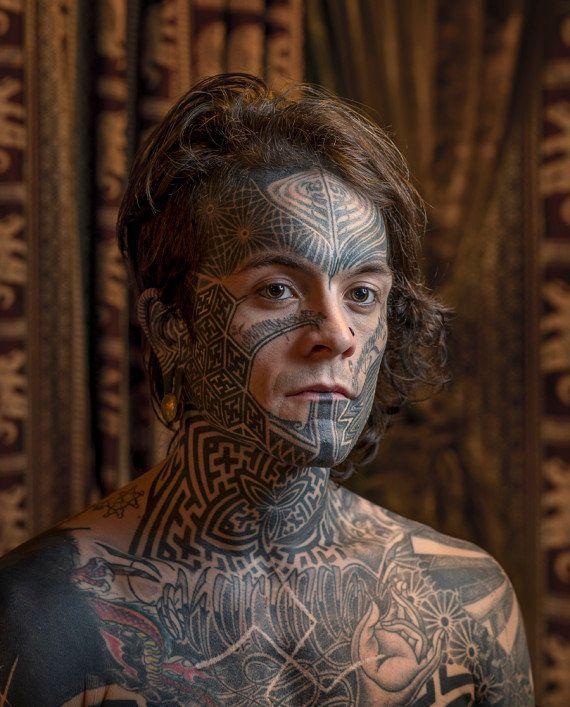 PHOTOS. Tatouage sur le visage: les portraits saisissants de Mark