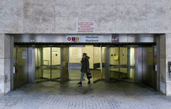 PHOTOS. Un mois après les attentats de Bruxelles, la station de métro Maelbeek a