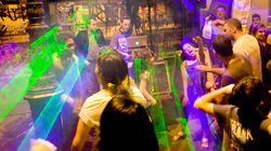 Des dizaines de bars parisiens veulent boycotter la fête de la