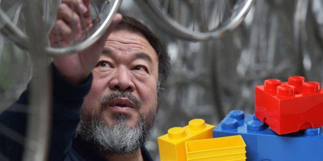 Lego prive le dissident chinois Ai Weiwei de ses briques, les internautes se font un plaisir d'organiser...