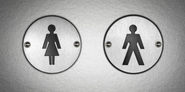 gay sexe dans une public toilettes rousse anime porno