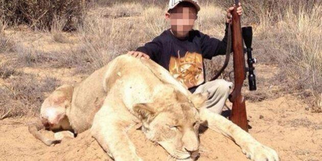 PHOTOS. Un chasseur publie des photos de ses enfants, de 7 et 9 ans, qui ont tué